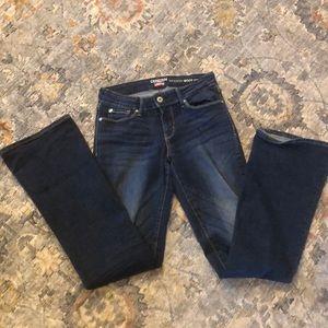 Denizen Modern Boot Cut Jeans Size 2